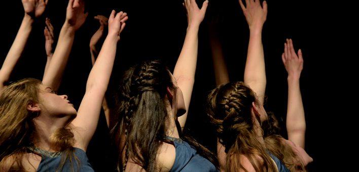 Wieczór grupy tańca współczesnego a g i t a t u s