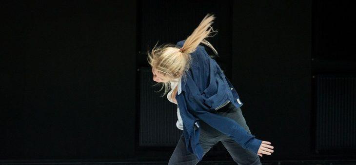 """""""Hold on"""" w Warszawie / Scena Tańca Studio"""