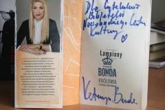 biblioteka_bonda_autograf