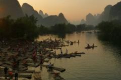Rzeka Yulong o zachodzie słońca (Guangxi 2013) podpisane